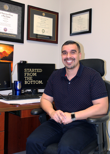 TSTCCounselor AlexGalan 72dpi 1 - TSTC welcomes counselor in his dream job