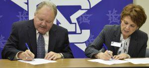 MarshallandKilgoreCollegesigningApril182019 3 300x137 - TSTC and Kilgore College Signal Continued Area Partnership