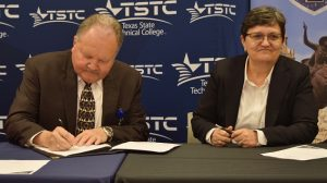 Brownwood TSTC and TTU signing agreement May 6 2019 2 300x168 - TSTC and Texas Tech Sign Academic Agreement
