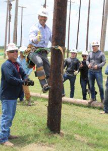Bush Land Commissioner TSTC Visit 5x7 72dpi 214x300 - Texas Land Commissioner Emphasizes Value of TSTC
