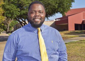 Waco Randall Frett CNSA alumnus Aug. 23 2019 edited 300x214 - TSTC Graduate Harnesses New Technology in Job