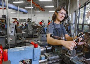 TSTC PrecisionMachiningTechnology 5x7 300x214 - TSTC machining program introduces evening classes