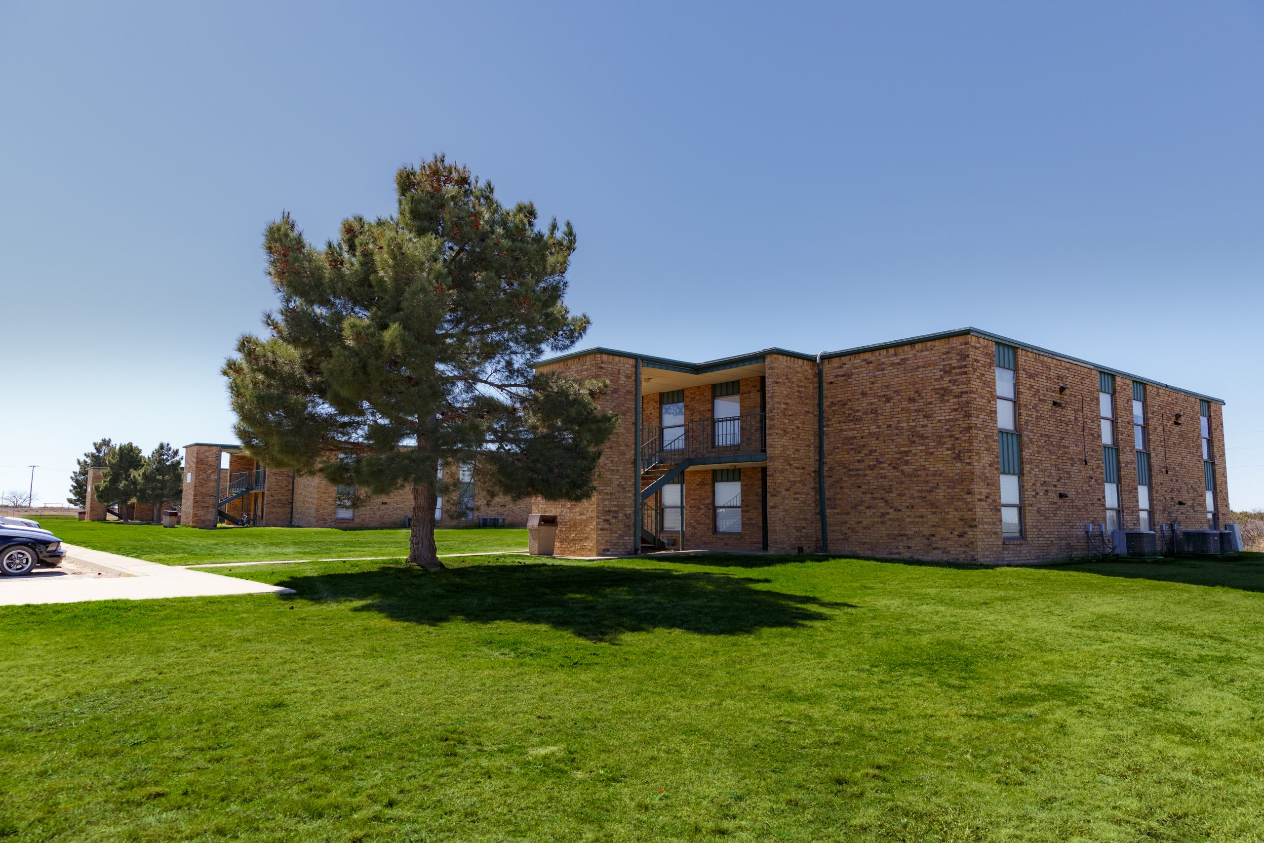 Sweetater dorms scaled - Campus Housing