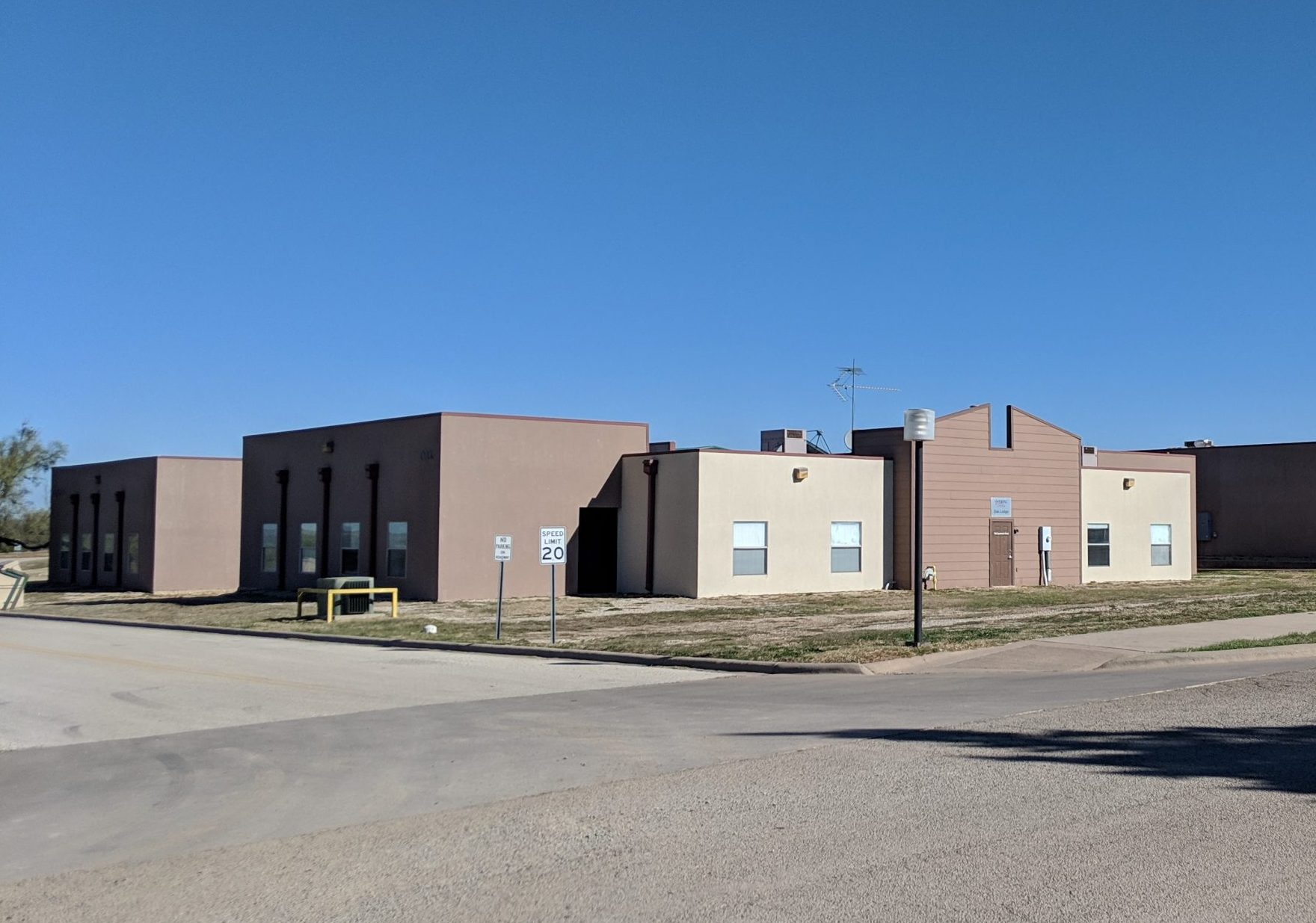 Sweetwater Lodges scaled e1620168768761 - Campus Housing
