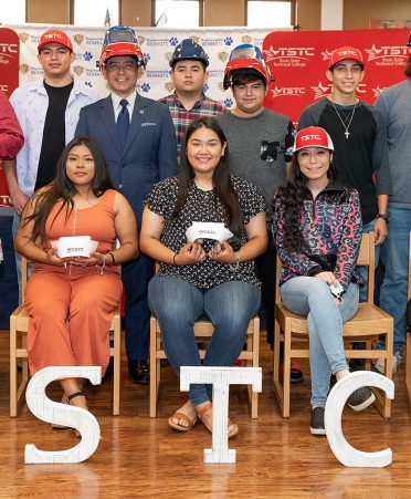 raymondville 372x451 - Raymondville Early College High School students announce commitment to TSTC