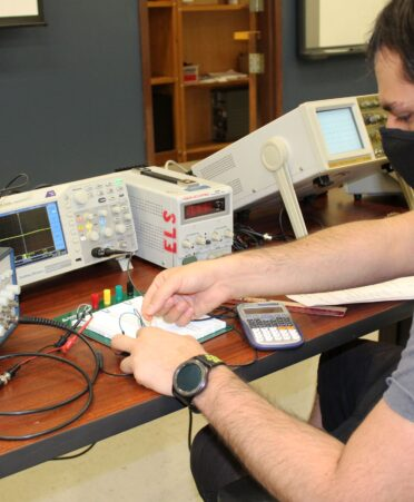 TEES electromechanical automation 1 372x451 - Texas A&M students get technical with hands-on Electromechanical Automation coursework at TSTC